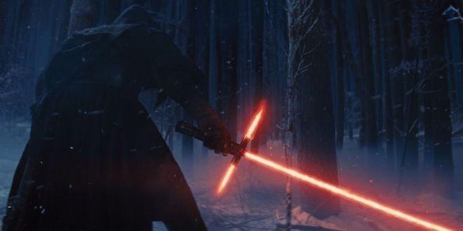star-wars-force-awakens-kylo-ren-finn-lightsaber